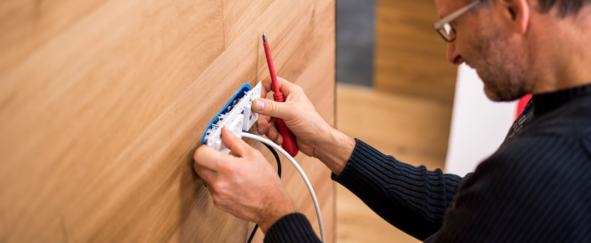 Electricians In My Area >> Find An Electrician Registered Electricians Electrical Safety First